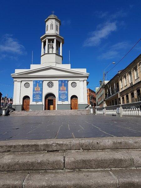 Iglesia Matriz en Valparaíso, The Network by Moraga